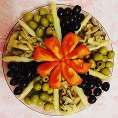 Qué hora es? #olives #olivas #aceitunas #esparragos #tomate #cetas
