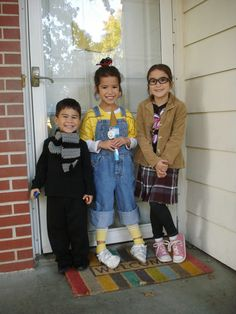 Pretty Bitty Bugs: A 'Despicable' Halloween - Despicable Me Halloween costumes Agnes, Margo, & Gru