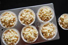 秋、冬に食べたくなる「チョコレートマフィン」と「りんごクランブルマフィン」のレシピの紹介です。