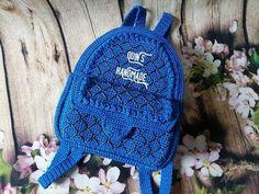 Crochet Clutch Bags, Crochet Backpack, Plushie Patterns, Crochet Patterns, Mochila Crochet, Summer Dress Outfits, Mini Purse, Knitted Bags, Handmade Bags