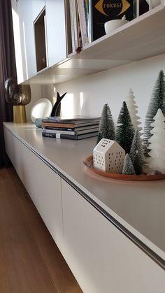 Weil es so Spaß macht.... | SoLebIch.de - Foto von Mitglied Holla die Waldfee  #solebich #interior #einrichtung #inneneinrichtung #deko #decor #sideboard #tablett #tray #tannenbaum #fir #bookshelf