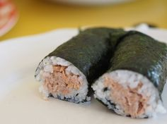 Tuna and avocado sushi makes for a quick and easy dinner. I cook the rice in the thermomix and get the tuna and avocado ready. Nutritional Value Of Rice, Benefits Of Rice, Ate Too Much, Fat Foods, Clean Recipes, Yummy Treats, Sushi, Tasty, Ethnic Recipes