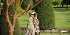 Here's a new still from Outlander season 2 Say bonjour to haute couture. #PeekAtParis #OutlanderOfferings Source