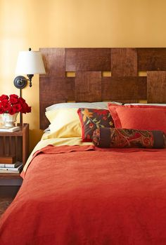 This headboard is amazing, rustic chic