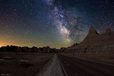 Weekly Monday Contest: On The Road Theme + Best Night Sky Photos