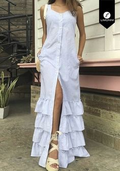 Prom Dresses With Sleeves, Simple Dresses, Beautiful Dresses, African Maxi Dresses, Ankara Dress, Dress Up Outfits, Fashion Dresses, Dress Over Jeans, Wedding Dress Organza