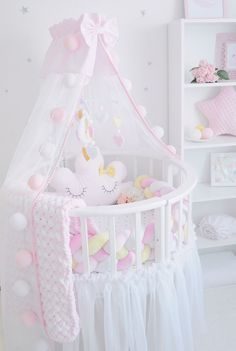 New Baby Room Decoration Ideas Baby Nursery Decor, Baby Bedroom, Baby Decor, Nursery Room, Girl Nursery, Girls Bedroom, Baby Room Design, Baby Pillows, Little Girl Rooms