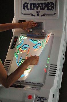 Flippaper est un flipper dessiné par ses propres joueurs sur une feuille de papier.