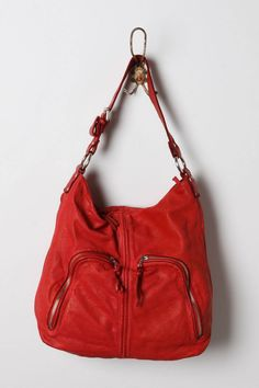 I fell in love with this bag when it was in teal blue.  still love it.