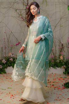 Show details for Zahra Pakistani Fashion Party Wear, Pakistani Formal Dresses, Pakistani Wedding Outfits, Pakistani Dress Design, Pakistani Kurta, Designer Party Wear Dresses, Indian Designer Outfits, Indian Outfits, Indian Designers