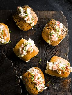 Try our mini lobster rolls recipe. Our easy lobster roll recipe is an easy canapé for a Christmas party. Try our mini lobster roll buns in mini brioche buns Lobster Roll Recipes, Seafood Recipes, Lobster Rolls, Finger Sandwiches, Wrap Sandwiches, Appetizers For Party, Appetizer Recipes, Easy Canapes, Lobster Salad