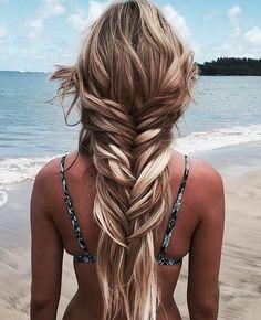 Loose fishtail braid.