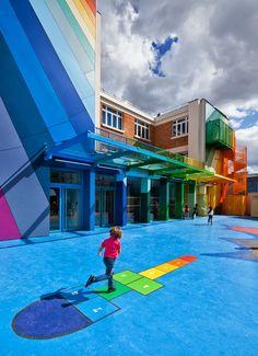 design-dautore.com: La scuola arcobaleno di Parigi