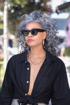 There is not a curly/natural hair wearer out there that does not have a natural hair journey. Well,because natural hair is freakin' emotional! Grey Curly Hair, Silver Grey Hair, Curly Hair Styles, Natural Hair Styles, Big Hair, Wavy Hair, Natural Hair Journey, Grey Hair Journey, Grey Hair Over 50