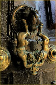 fotofreddy: Own picture: Spain. Old door-knocker