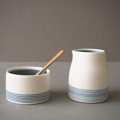 By The Line Pottery – Artichoke Gallery – … By The Line Keramik – Artischocken Galerie Pottery Painting Designs, Pottery Designs, Pottery Ideas, Pottery Vase, Ceramic Pottery, Painted Pottery, Slab Pottery, Thrown Pottery, Painted Ceramics