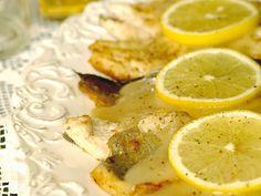 Pstruh na pálenke, suroviny na prípravu receptu:filety zo pstruha Radoma od Ryba Žilina (400 g), maslo (100 g), špaldová múka celozrnná hladká podľa potreby