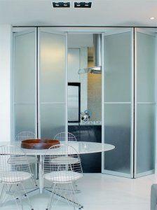 Portas-camarão de alumínio e vidro. Kitchen Dining, Dining Room, Pent House, Beautiful Kitchens, Sweet Home, Bathtub, Doors, Bathroom, Architecture