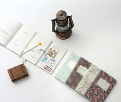 Large Pattern Folding Planner from mochithings. Dateless planner, so you can start using it anytime, and is designed to view Yearly, Monthly and Daily plans all at once. I call that brilliant! Life Plan, Hand Lettering, Stationery, How To Plan, Notebooks, Journals, Pattern, Monthly Plan, Cards