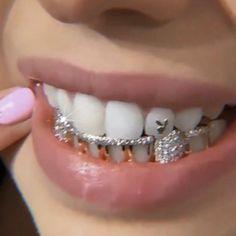 Cute Jewelry, Body Jewelry, Jewelry Accessories, Gems Jewelry, Tooth Jewelry, Wedding Accessories, Bijoux Piercing Septum, Cartilage Piercings, Rook Piercing