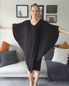 Nz's 1 Dress: The Miracle Dress Linen Dress Pattern, Dress Sewing Patterns, Clothing Patterns, Convertible Clothing, Batwing Dress, Diy Clothing, Comfortable Fashion, African Fashion, Beautiful Outfits