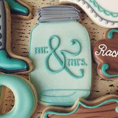 Wedding mason jar cookies.