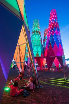 A closer look at Francis Kéré's colorful Coachella installation | News | Archinect