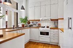 Lee Caroline - A World of Inspiration: A Spacious Swedish Apartment