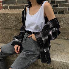 Korean Fashion Trends you can Steal – Designer Fashion Tips Grunge Look, Mode Grunge, Style Grunge, Soft Grunge Outfits, 90s Grunge, Indie Outfits, Korean Outfits, Cool Outfits, Casual Outfits