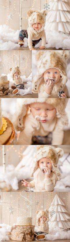 Winter wonderland cake smash session by Laura Sanz Photography