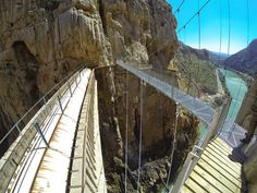 En guide till El Chorro och Caminito del Rey i Malaga Amazing Destinations, Holiday Destinations, Places To Travel, Places To Visit, Andalucia Spain, Spain Holidays, Spain Travel, Granada, Beautiful Places