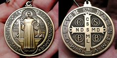 En este artículo se explica la historia de la medalla, su significado y para qué nos es de ayuda.