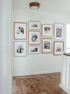 Inspiration Wall, Interior Inspiration, Diy Home Decor, Room Decor, Upstairs Hallway, Home Interior, House Design, Gallery Walls, Living Room Gallery Wall