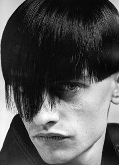 """zoku: """" Hidde photo David Sims Heads: Hair By Guido """" David Sims, Haircuts For Men, Beautiful Boys, Black Hair, Short Hair Styles, Hair Makeup, Hair Cuts, Hair Beauty, Hair Color"""