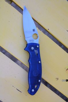Spyderco C101PBL2 Manix 2, Blue Translucent Handle, PlainEdge.
