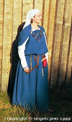 The costume worn on the photo is 6th century Anglo-Saxon.