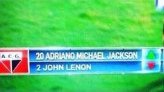 Za Adriano Michael Jackson pojawił się na boisku John Lenon • Oto najlepsza zmiana w historii piłki nożnej • Wejdź i zobacz więcej >> #Soccer #Sport #Football #Piłkanożna