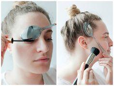 Descubre cómo puedes conseguir un maquillaje profesional con ayuda de una cuchara.