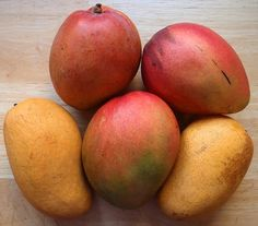 Health benefits of mangoes + recipes.