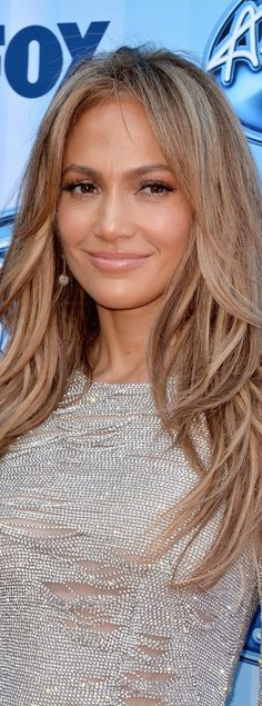 Jennifer Lopez Sparkles Away at 'American Idol' Season Finale!: Photo Jennifer Lopez sparkles in a short shimmering dress while walking the red carpet at the American Idol season 13 finale on Wednesday (May at the Nokia Theatre… Hair Color Balayage, Blonde Balayage, Balayage Hairstyle, Updo Hairstyle, Blonde Highlights, Hairstyle Ideas, Haircolor, Hair Ideas, Jennifer Lopez Hair Color