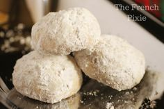 Gasp! I ate every SINGLE one of my low carb snowball cookies! They are bite size and I love their texture. They are also grain free and sugar free.