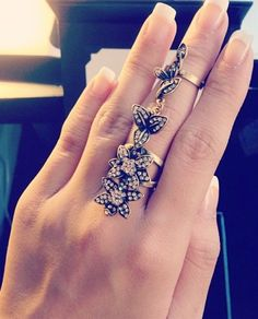 Floral full finger ring. This looks like something Arwen would wear!