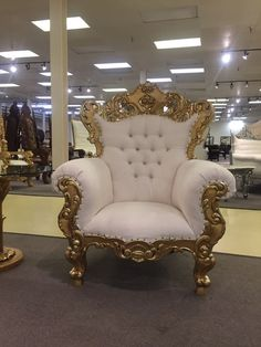 Gold White Ornate Baroque Rococo Wedding Salon Boutique King Queen Throne Chair #HollywoodRegency