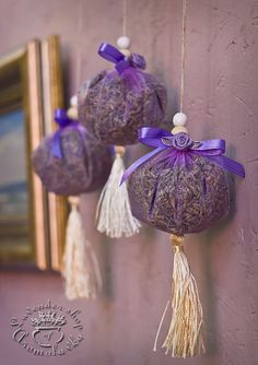 Nemusíte ju viazať len do kytičiek, toto je ešte lepšie: Úžasné nápady,. Lavender Wands, Lavender Decor, Lavender Crafts, Lavender Sachets, Lavender Scent, Lavender Fields, Lavender Flowers, Homemade Gifts, Diy Gifts