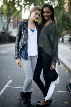 topshop street wear:  Cara Delevingne and Jourdan Dunn having a model moment!