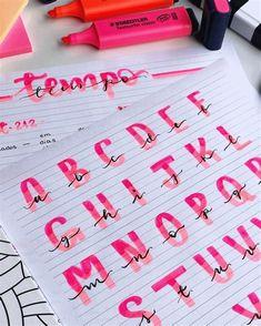 Bullet Journal Hand Lettering, Bullet Journal Titles, Bullet Journal Banner, Journal Fonts, Hand Lettering Alphabet, Bullet Journal Notebook, Bullet Journal Aesthetic, Bullet Journal School, Daily Journal