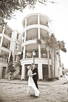 Bride and groom in Charleston, SC