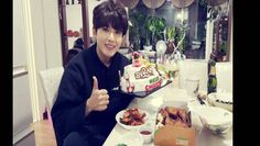 Ryeowook celebrates Christmas at home with cake and chicken | allkpop