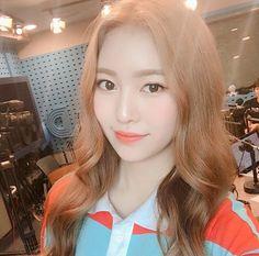 South Korean Girls, Korean Girl Groups, Divas, Seolhyun, Blackpink Jennie, Korean Model, Mamamoo, Pop Group, Singer