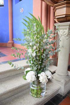 Hochzeit, feste feiern, Tegernsee, Bad Weise, rustikal, Altarschmuck, großer Strauß